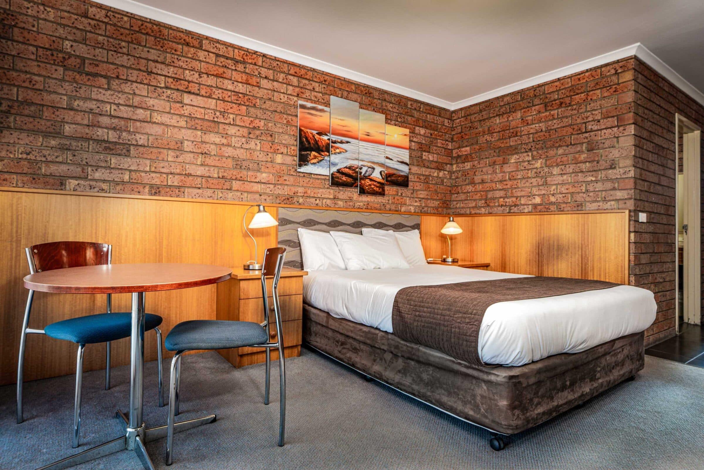 1-Main Bedroom-1 Large Suite Motel Accommodation Merimbula - Comfort Inn Merimbula