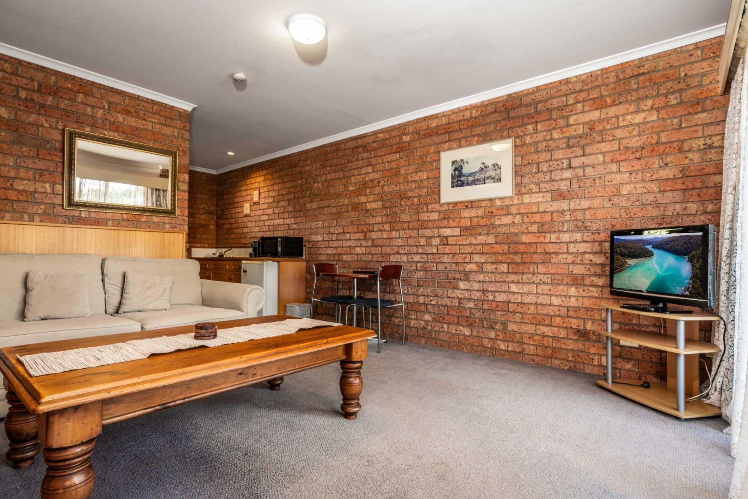 14-Lounge Suite-14 Small Suite Merimbula Motel Accommodation - Comfort Inn Merimbula